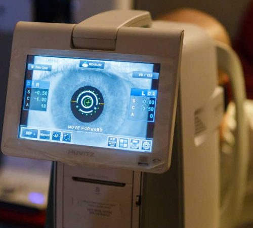 Consultatii-Clinica-oftalmologica-Optixmed-Galati-Dr-Dobre-Chirurgie-oftalmologica-Tratamente-cu-laser-Optica-medicala-home-consoft